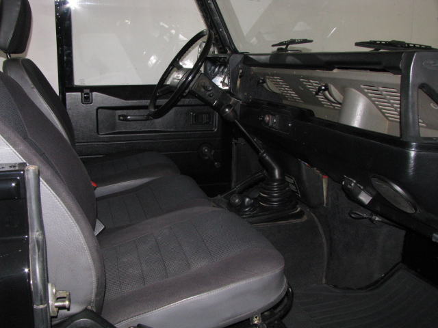 Defender V8 3500